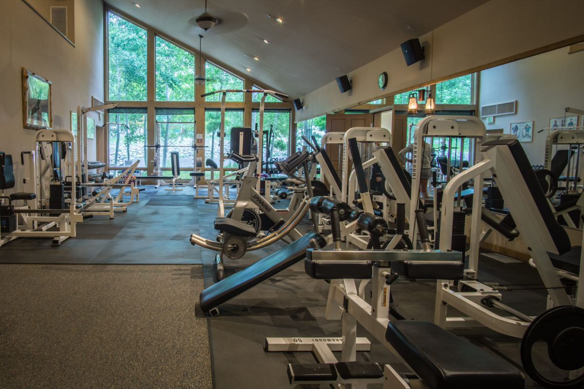 An image of the fitness center at the Creekside Spa in June Lake, California.